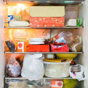 「奥からしなびた野菜が……」ぐちゃぐちゃな冷蔵庫のスーパー整理術【知的家事プロデューサー本間朝子さん連載13】