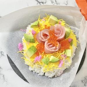 クッキングシートで作る「ちらし寿司ブーケ」が簡単&華やか!10分で作れて後片付けまでラクチン!