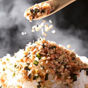 作りたてはおいしくて箸が止まらない!ごはんにぴったりなカンタン手作りふりかけレシピ4選