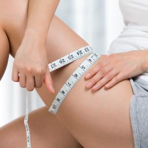 """ほっそり太もも痩せの秘訣は筋トレではなく""""寝る前3分ストレッチ習慣"""""""