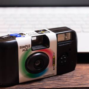 【懐かしクイズ】昭和JKも大好きだった写真、使ってたカメラの名前は? #40代の思い出委員会
