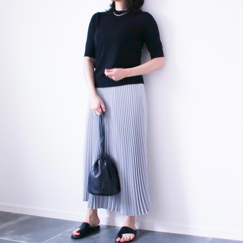 「着膨れしたくない!」プリーツスカートをすっきり着こなすコツ#スタイリスト高橋愛の着こなしテク|vol.42