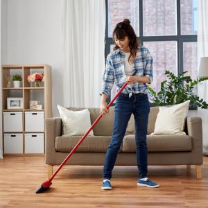捨てる前に使わないと損!キッチンから家電周りまでピカピカにする「ストッキング活用術」使用後は捨てるだけ!