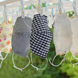 もみ洗いはNGだった!?約7割の人が洗濯機で洗っている布マスク。正しい洗い方は?