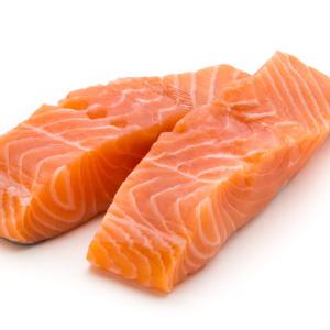 帰りが遅くなる日は!朝仕込みで帰宅後焼くだけ!家族が喜ぶ簡単鮭レシピ3選