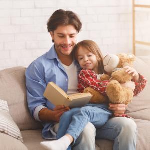 """【かんたん家族革命】親子の仲を深めたいなら""""本棚の置き場所を変える""""だけでいい。【教育のプロ、矢萩邦彦先生に聞く】"""