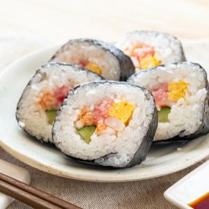 「太巻き寿司」がスパッとキレイに切れる方法3つ。イラッとする「海苔が包丁にくっついちゃう問題」も解決!