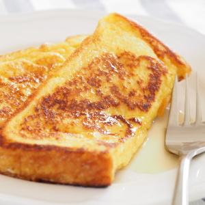 簡単すぎ!アルミホイルを器にトースターで作る「フレンチトースト」が忙しい朝にぴったり!洗い物も減らせる!