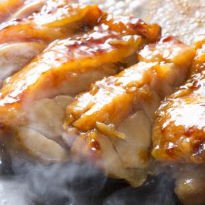 焼肉だれ+マヨ漬けが絶品!朝漬けておけば帰ったら焼くだけ!家族が喜ぶ「漬け焼きマヨチキン」