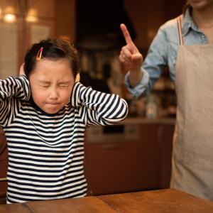 """「勉強しなさい!」が逆効果なワケ。積極的に勉強する子に変わる""""声かけのコツ"""""""