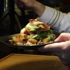 簡単なのに家族が大喜びの「豚バラレタス」!ご飯が進む最強のレシピ【料理人の味】