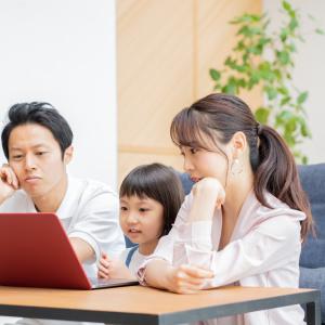 「夫の収入だけでは足りない!子どもの習い事はやめるべき?」収入不足の時に考えるべき2つのポイント