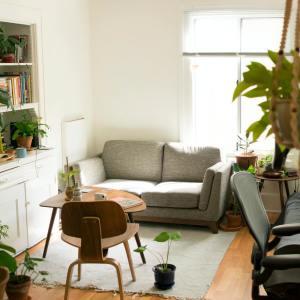 狭い部屋を広く見せるポイントは家具の高さ!狭い部屋をスッキリ快適な空間にする7つのコツ#整理収納アドバイザー直伝