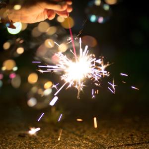 「家庭用の花火がたくさん余った…。」いつまで使える?未使用花火の捨て方は?#花火屋さんに聞いた