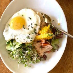 """いろいろな食感が楽しい「サラダごはん」【料理家・田内しょうこの""""たんぱく質朝ごはん"""" #3】"""