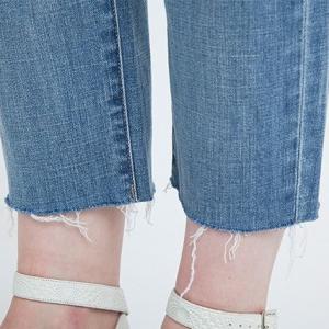 たんすに眠っているズボンを有効活用! UNIQLOでカットオフデニムが無料で出来ます♪