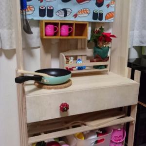 クオリティーが高すぎる! 100均アイテムでも本格的なおままごとキッチンが作れる♡