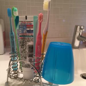 洗面所のコップどうしてる?【ダイソー】これで洗面所がスッキリ!清潔!掃除も楽チン!