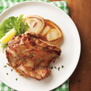 鶏もも肉をマヨにんにくしょうゆダレで漬け込んで☆ 【冷凍作りおき】を使ったアレンジレシピ4選