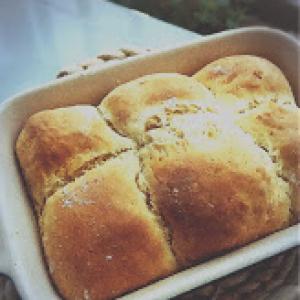 """【HMで簡単】材料4つだけで作る! 発酵いらずの""""ちぎりパン""""がもちもちで美味♡"""