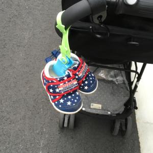 脱いだ子ども靴をもうなくさない!ダイソーの新商品【ベビーシューズクリップ】が使える!!