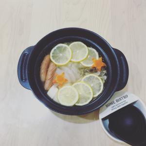 マツコ効果で売切続出!? KALDIの【塩レモン鍋つゆ】が美味しくてハマる!