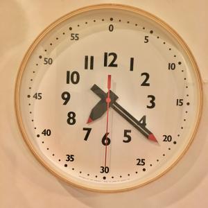 「ママ、時計ってどう読むの?」と聞かれたら。親も子も楽しみながらマスターできる方法はコレだ!