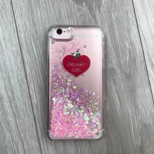 人気グリッターiPhoneケースが300円で買える! スリーコインズのスマホケースが可愛い♡