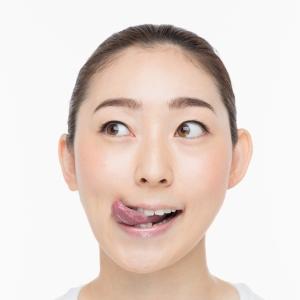 手軽に老け顔予防!二重あごを解消する舌(ベロ)トレって知ってる?