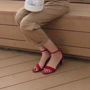 【GU】細めストラップで華奢見え♡スウェード素材が大人っぽいサンダルが可愛い!