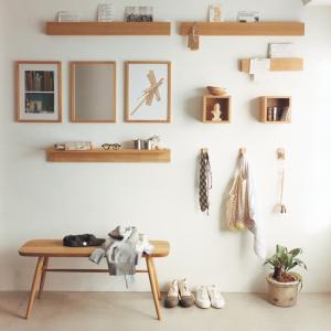 無印の「壁につけられる家具」でスマート収納が叶う。おしゃれな部屋づくりはこれで完璧!